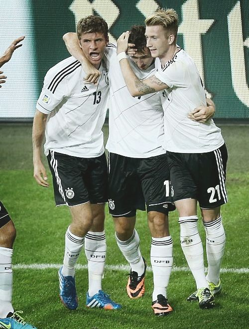Thomas Muller Miroslav Klose And Marco Reus Germany Football Topscorer Worldcup Fifaworldcup German Football Players Soccer Players Germany Team