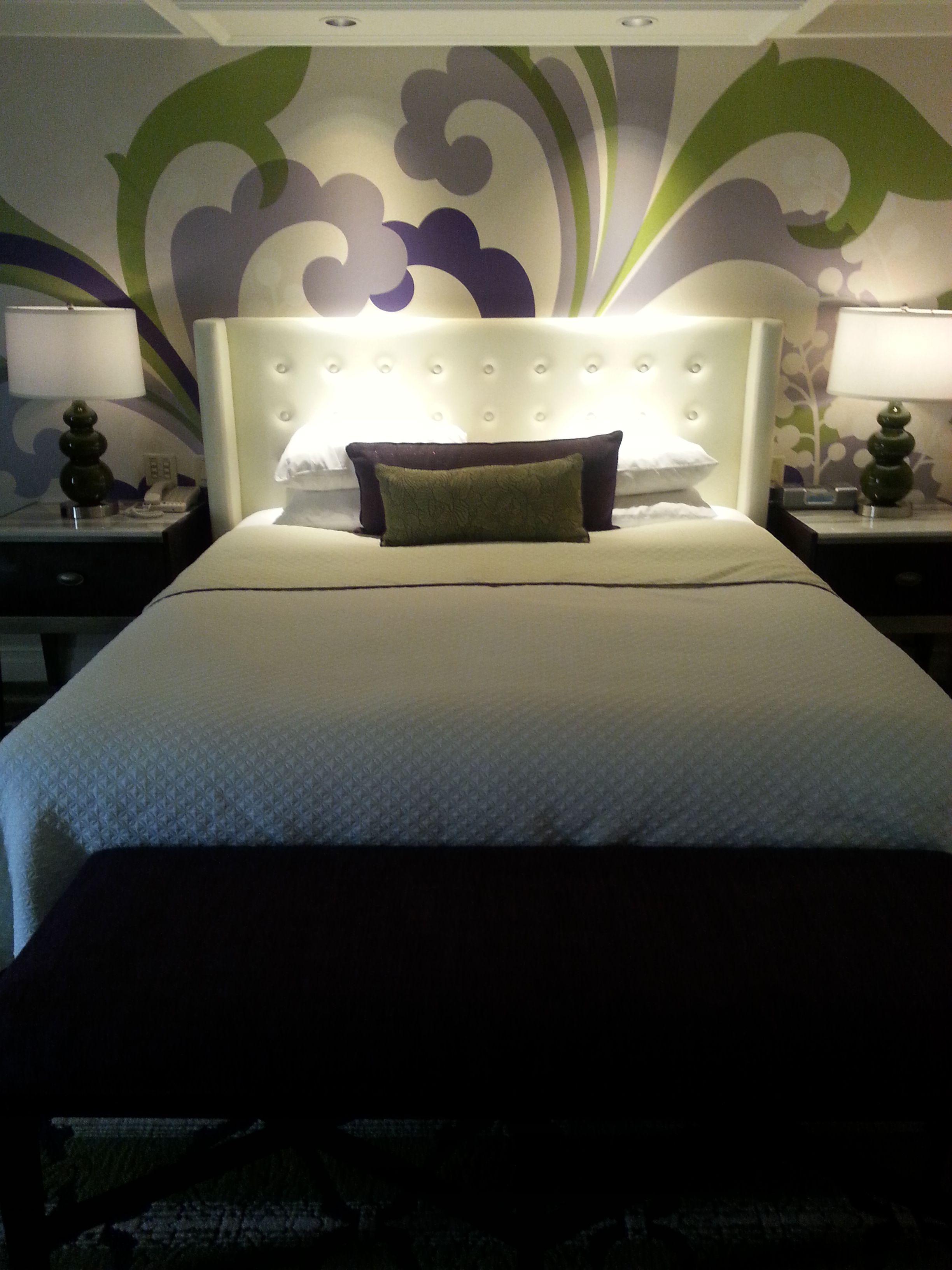 king guestroom vegas bellagio interiordesign wallart design