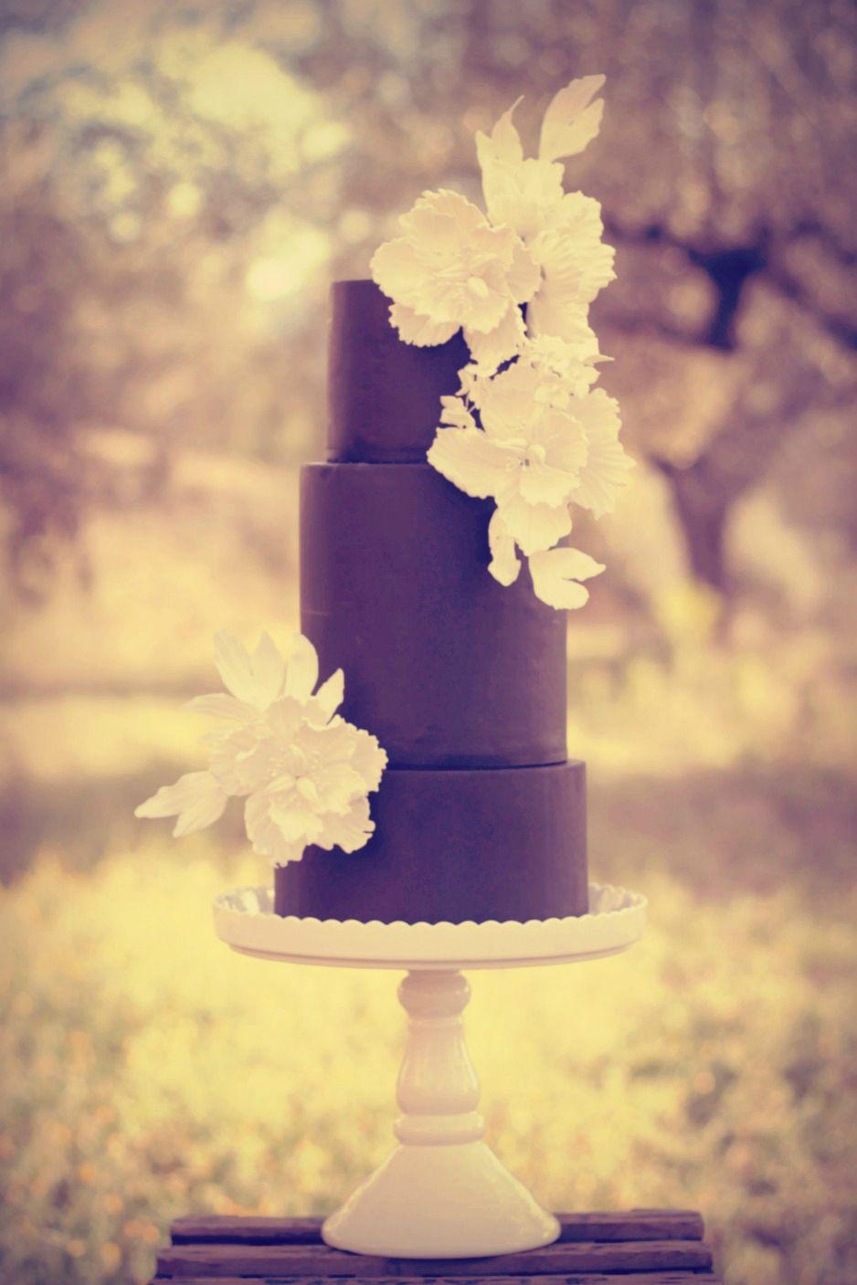 All Black Wedding Cake #cake #weddingcake #ledouxcollage #fondant ...