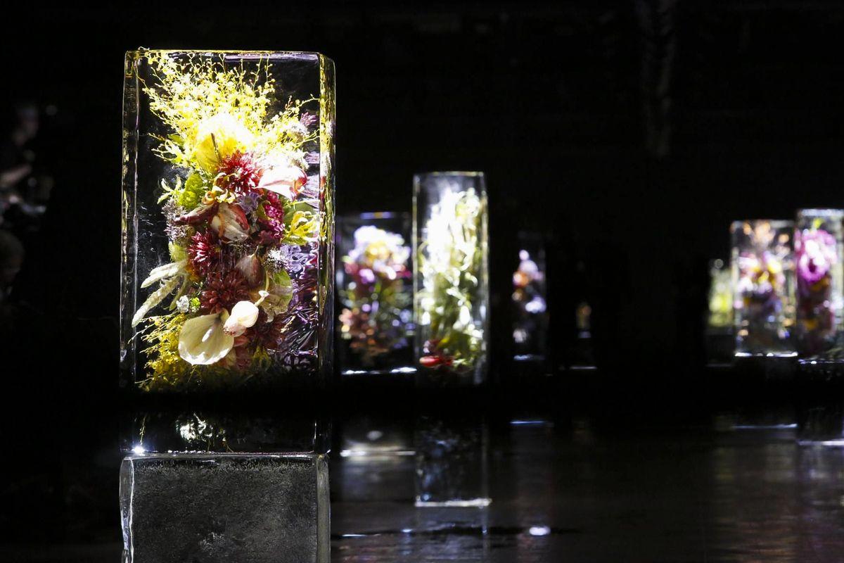 meanrunway: Makoto Azuma . Iced Flowers : Dries Van Noten S/S 2017 Runway