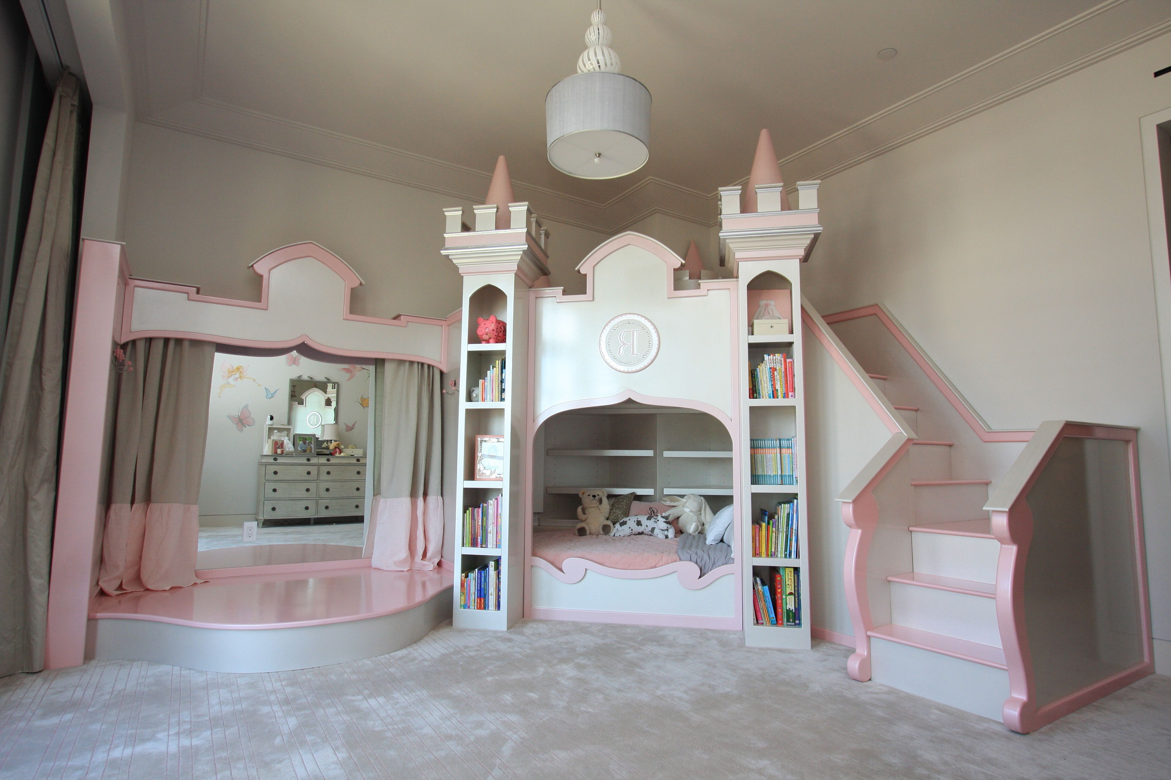 Bedroom Give Fabulous Place For Your Little Girl Awesome Looking Fairytale Themed Girls Bedroom Decor Be Princess Castle Bed Princess Bedrooms Castle Bed
