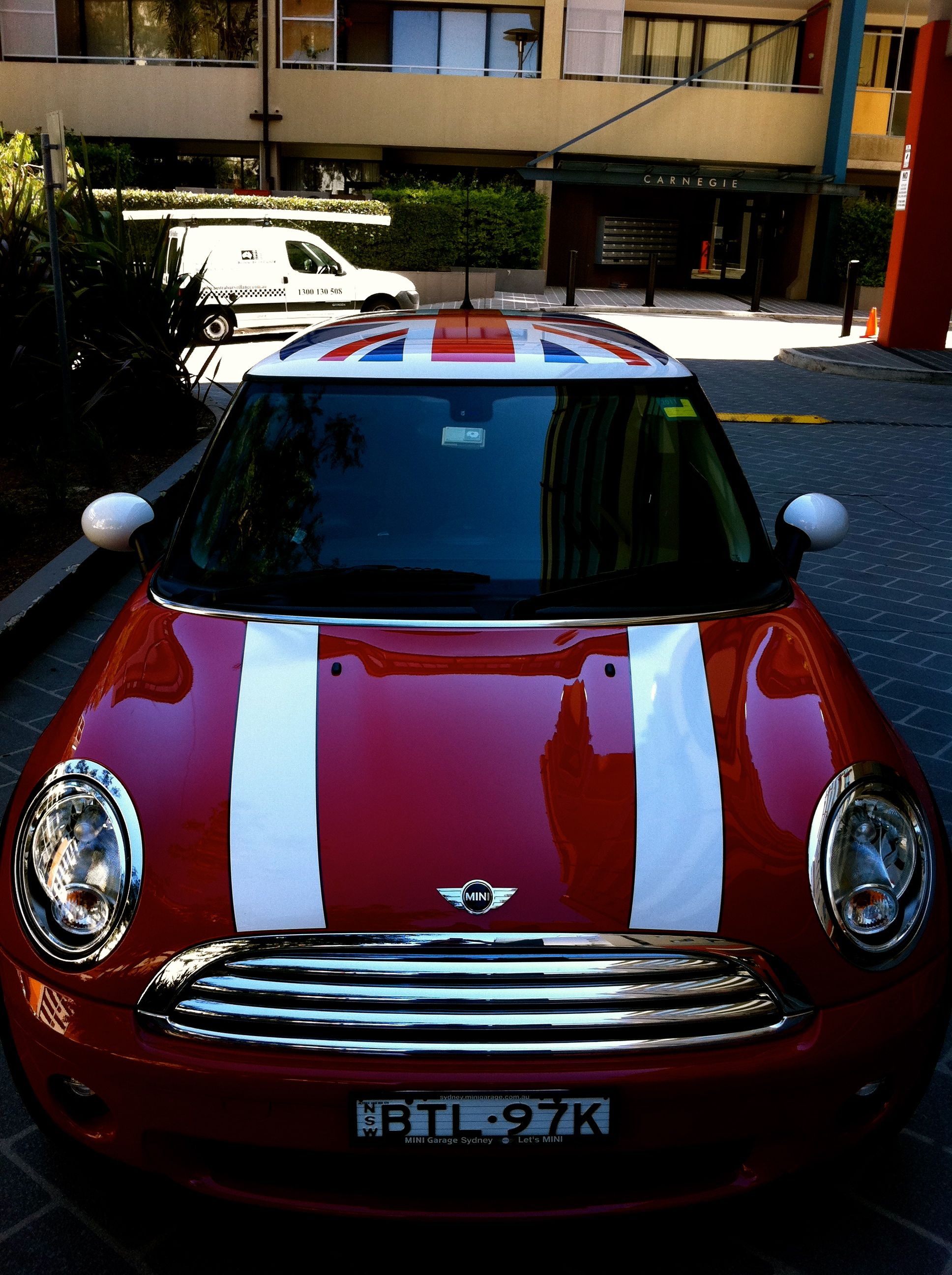 Mini Cooper With Union Jack Dream Rides Future Car Mini Cars
