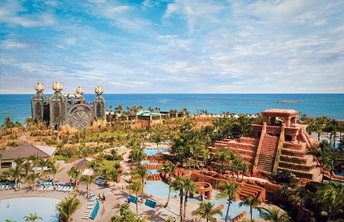 Atlantis-Paradise-Island-hotel-uskomaton-allas-hotelleja-joissa-uima-allas