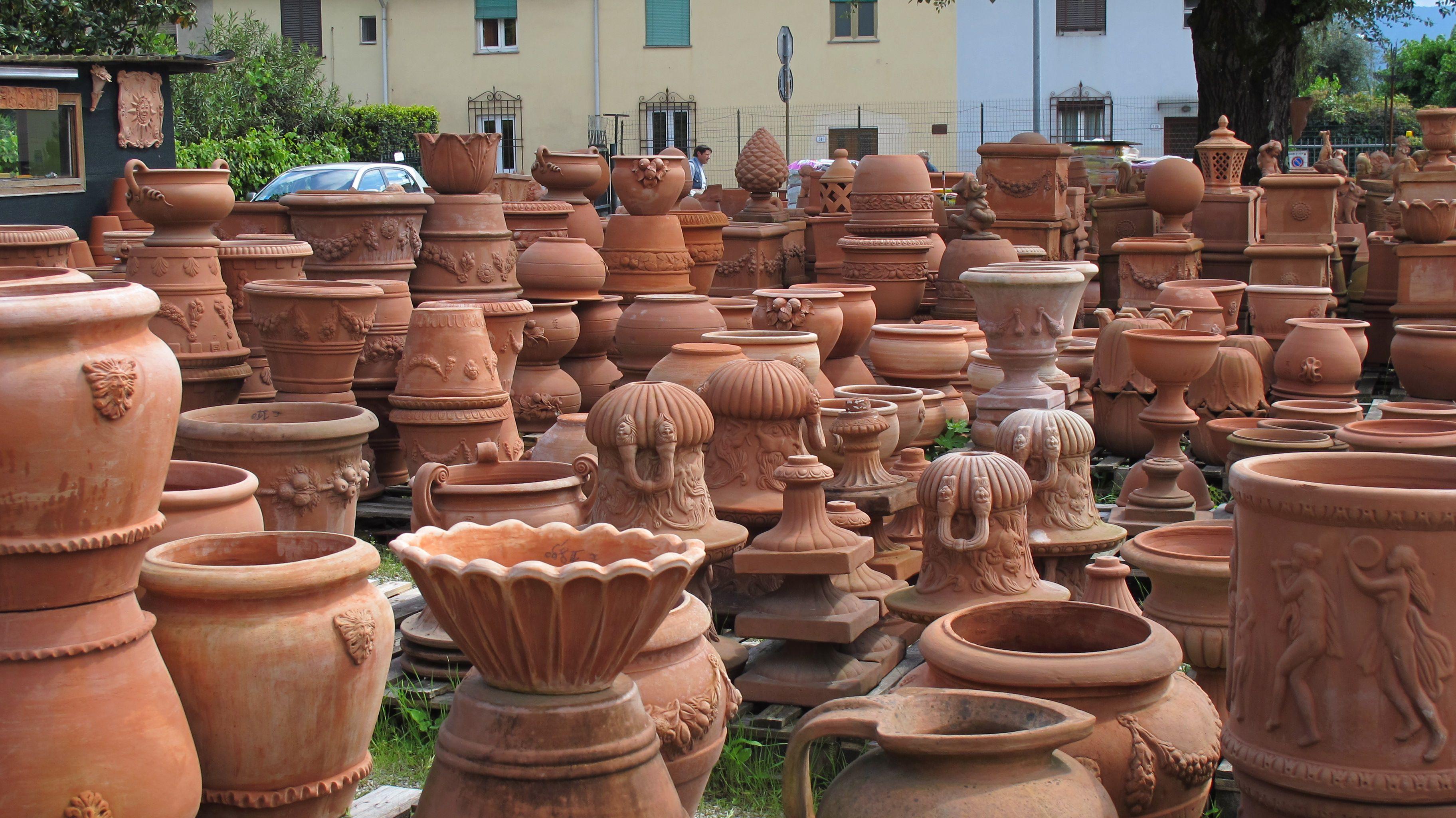 Lots Of Terracotta Pots Terra Cotta Pinterest Terracotta Pots Tulip And Middle