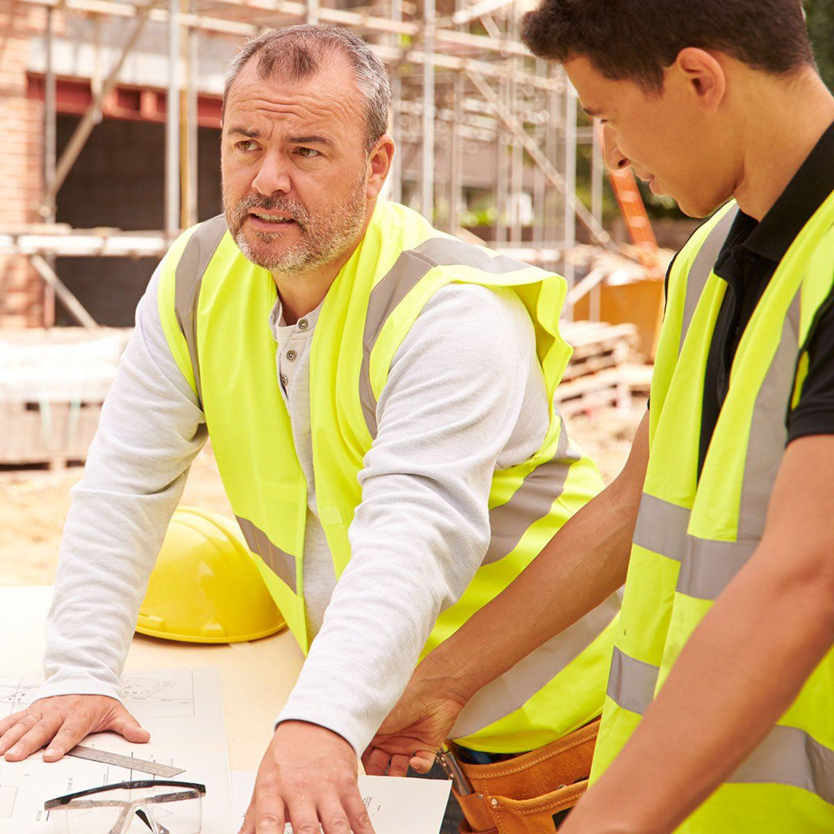 Construction companies starting to offer new workers