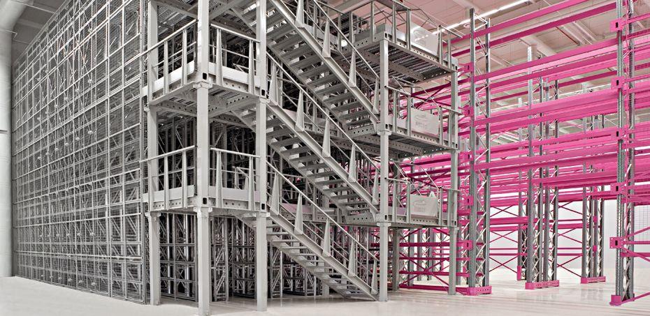 Guida Alla Sicurezza Delle Scaffalature Industriali E Dei Soppalchi.Soppalco Modulare In Acciaio Per Magazzino Scaffalature