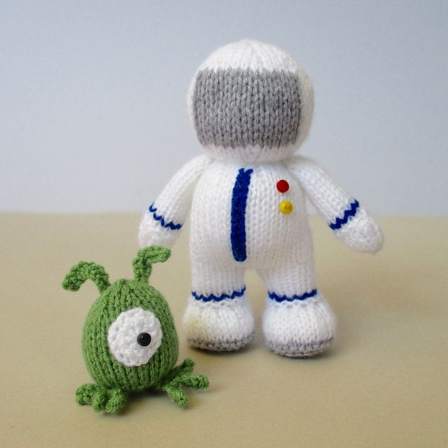 Buzz and Zoff pattern by Amanda Berry | Espacios