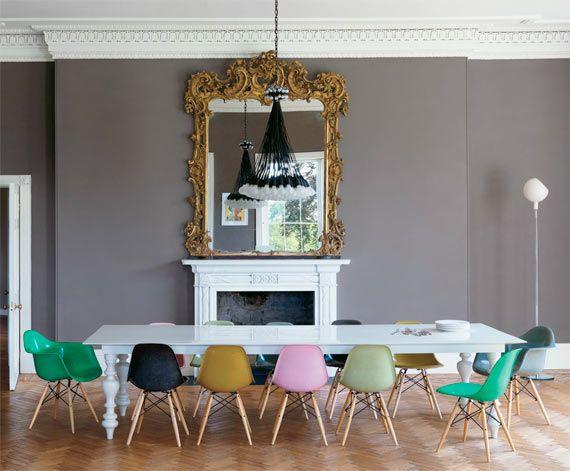 Mesa de comedor y sillas #eames de diferentes colores....les gusta ...