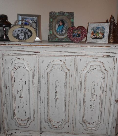 Decorating With Distressed Furniture: DIY Distressed Cabinet