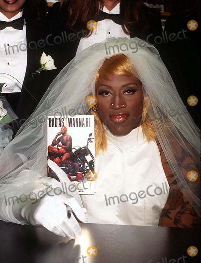 Dennis Rodman Wedding Dress 08 96 New York City Wearing A At Barnes