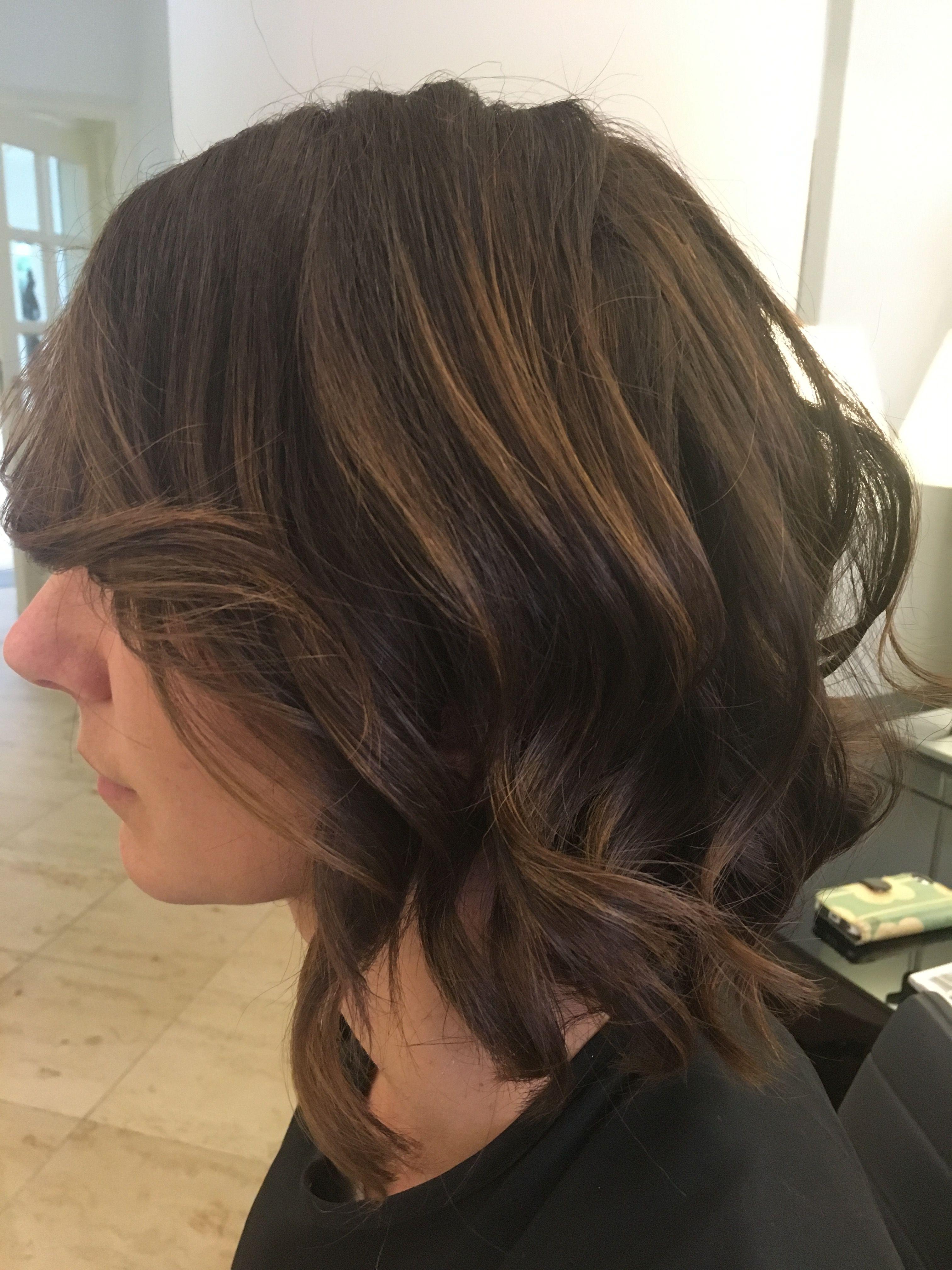 Halflang Bruin Haar Met Highlights Waves Kapsels Salon