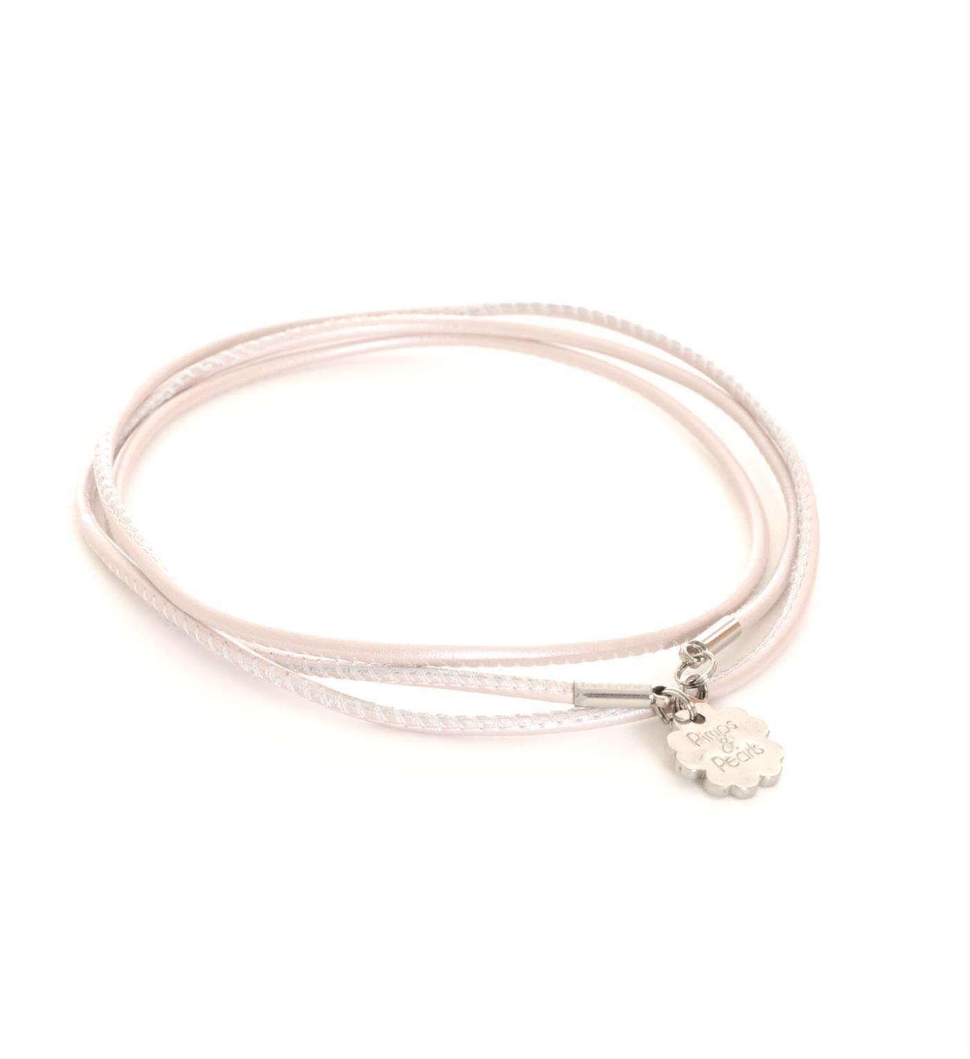 Pimps & Pearls handgemaakte leren ketting model Rocks 2. Deze ketting is zowel lang als kort te dragen. Ivoor - NummerZestien.eu