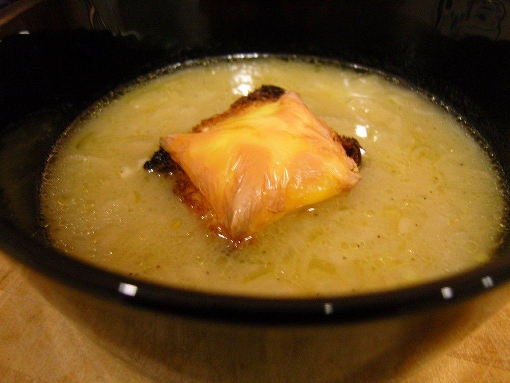 1 Haftada 4 Kilo Zayıflatan Soğan Çorbası Diyeti