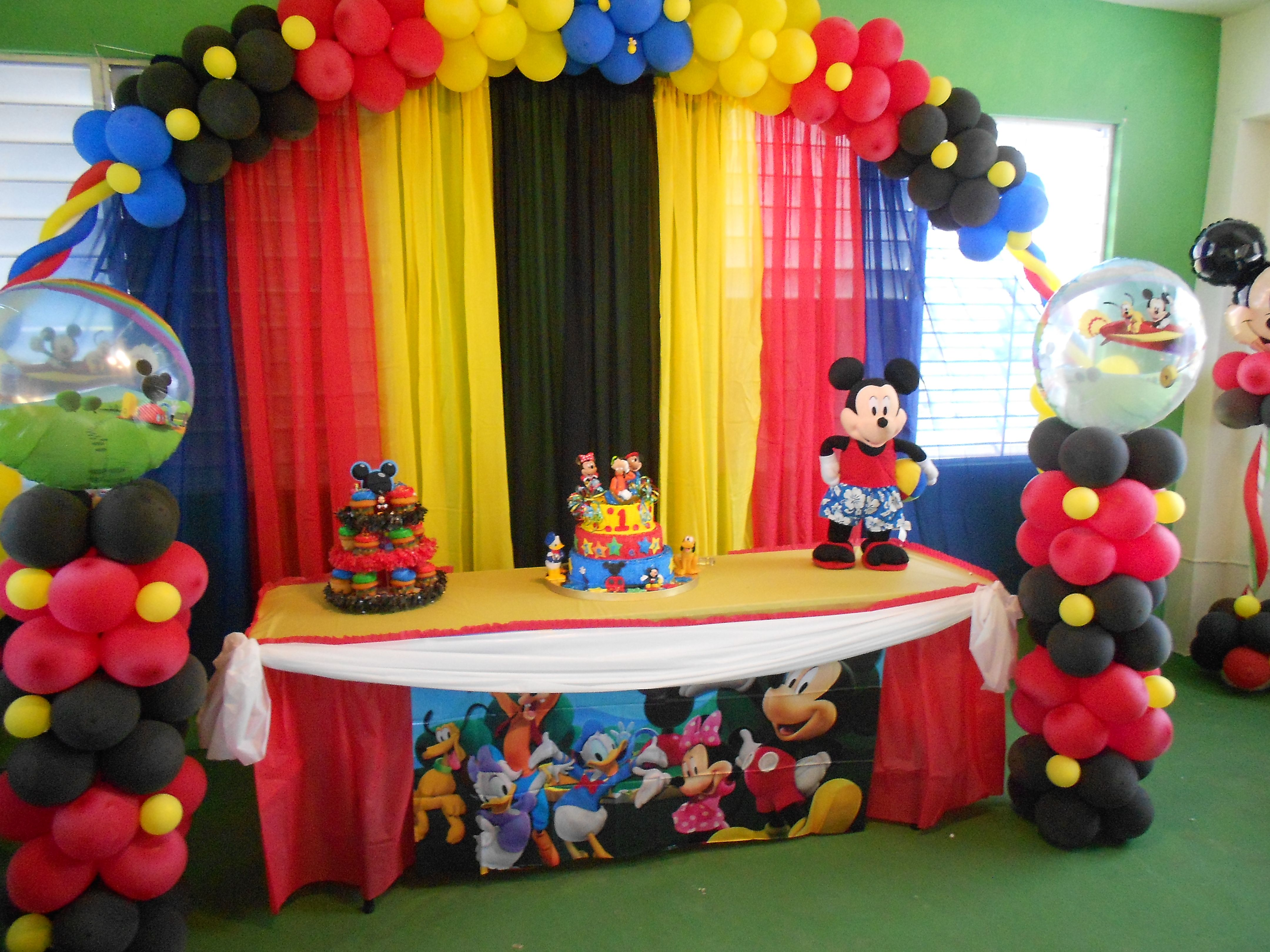 Decoraciones Infantiles De Mickey Mesa Prinsipal Fiestaideas Decoracion Mickey