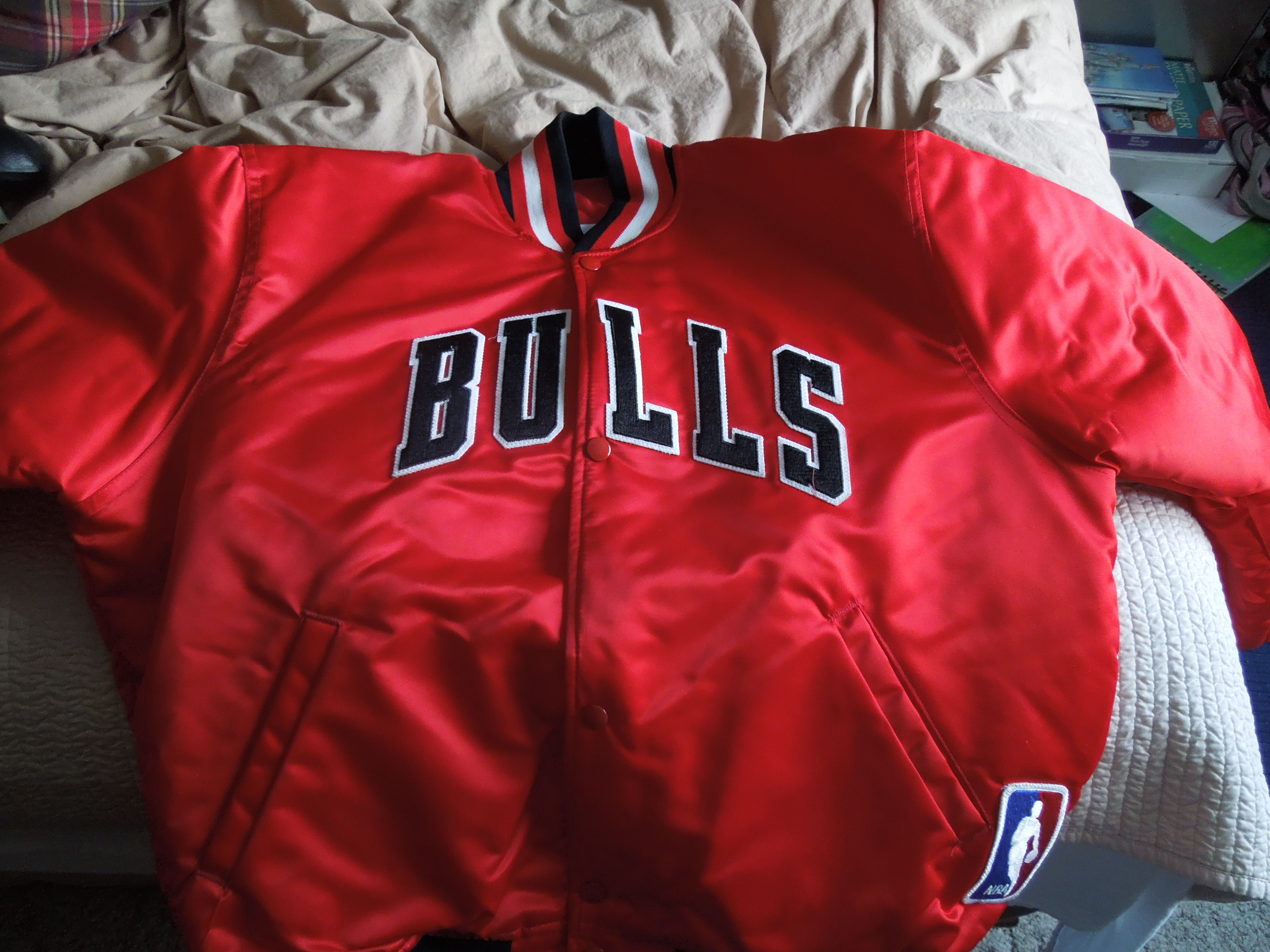 ab4b2b28a6a7fa vintage Starter chicago bulls jacket new old stock!