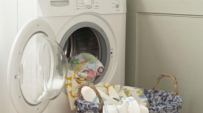 les 6 astuces pour un nettoyage complet de la machine laver astuces pinterest natural. Black Bedroom Furniture Sets. Home Design Ideas