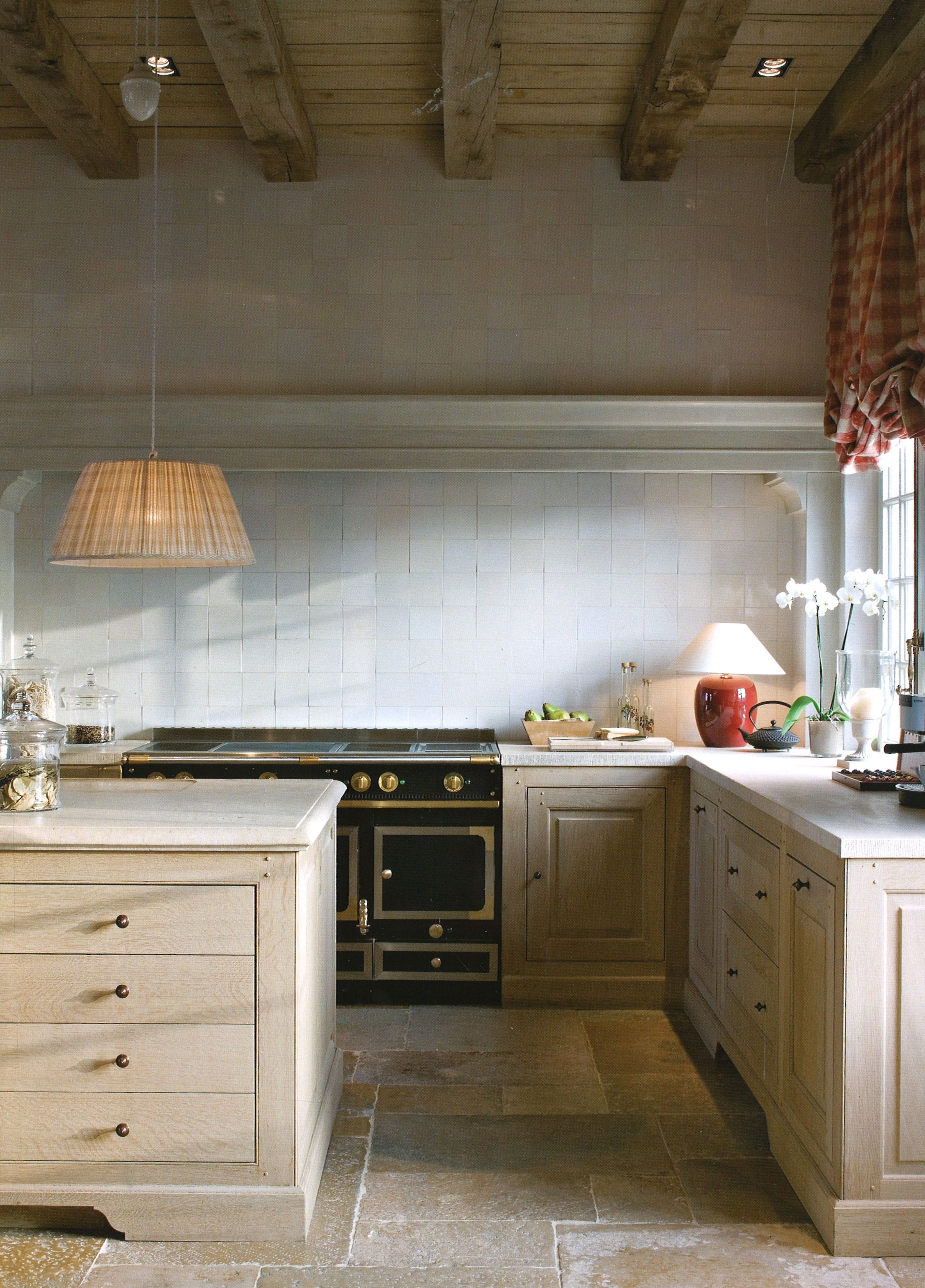 Red Elements Kitchen Cabinet Finish Fake La Cornue Backsplash