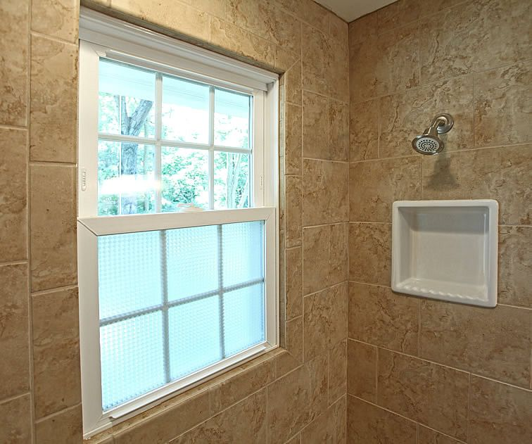 Like The Tile Around Window And Frosted Gl