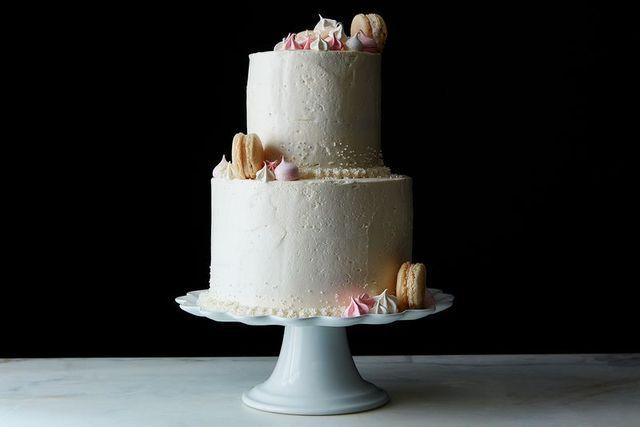 5 easy wedding cake decorations you can do yourself food52 easy 5 easy wedding cake decorations you can do yourself solutioingenieria Choice Image