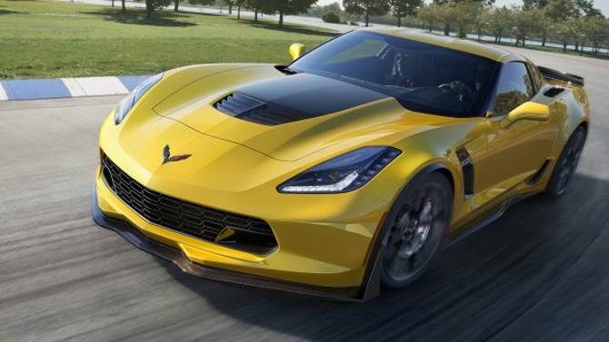 At the drag strip, the Z06 is good for a 10.95-second run with the automatic, or an 11.2-second trip with the manual, both crossing the traps at 127 mph.