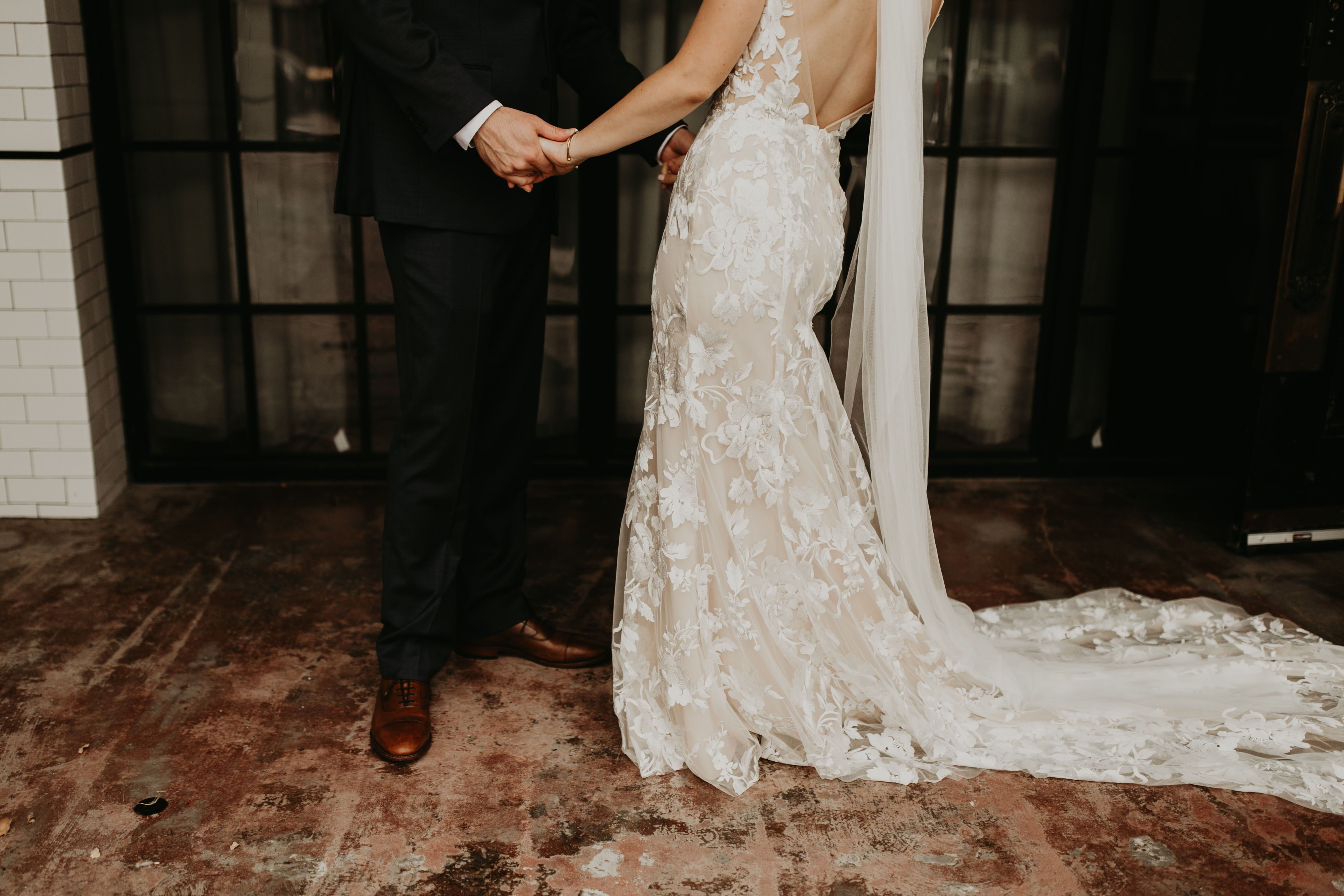 Wedding Photography Wedding Inspiration Made With Love Bridal Made With Love Gown Bridal Gown Wed Off White Wedding Dresses Kansas City Wedding Kc Wedding