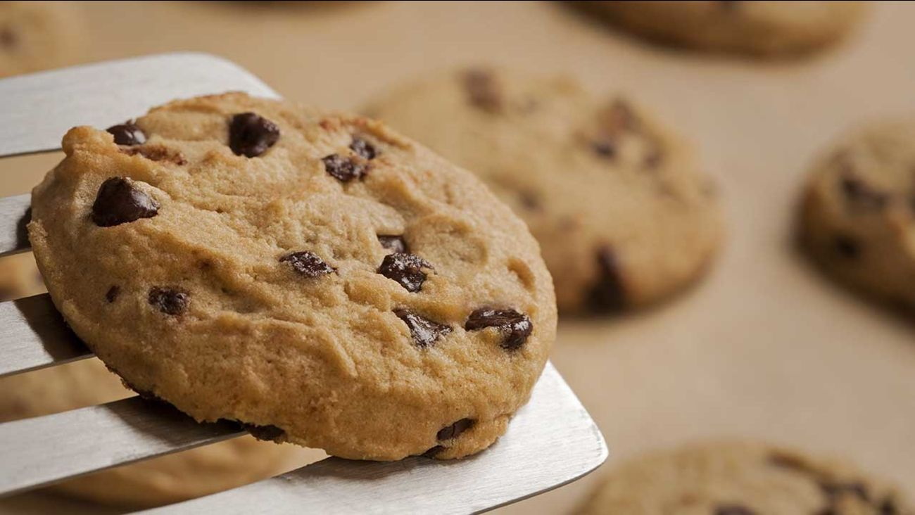 Nestle Toll House Cafe Gives Away Free Cookies For National Chocolate Chip Day National Chocolate Chip Day Cookies Recipes Chocolate Chip Food