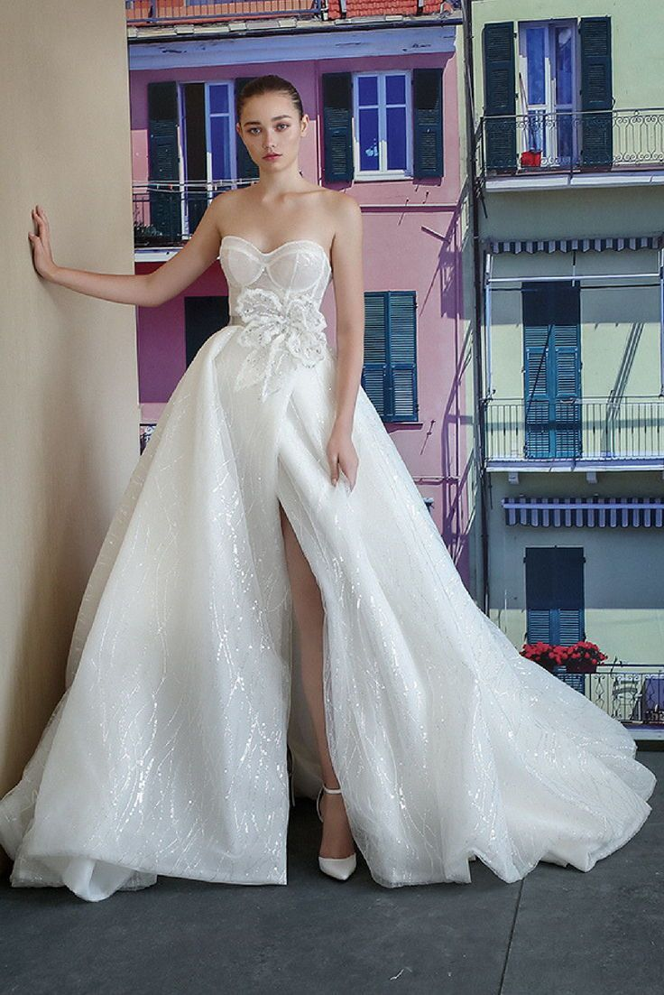 Small wedding dresses  Bridal Couture  Inspiration Ballgown Wedding Dresses  Pinterest