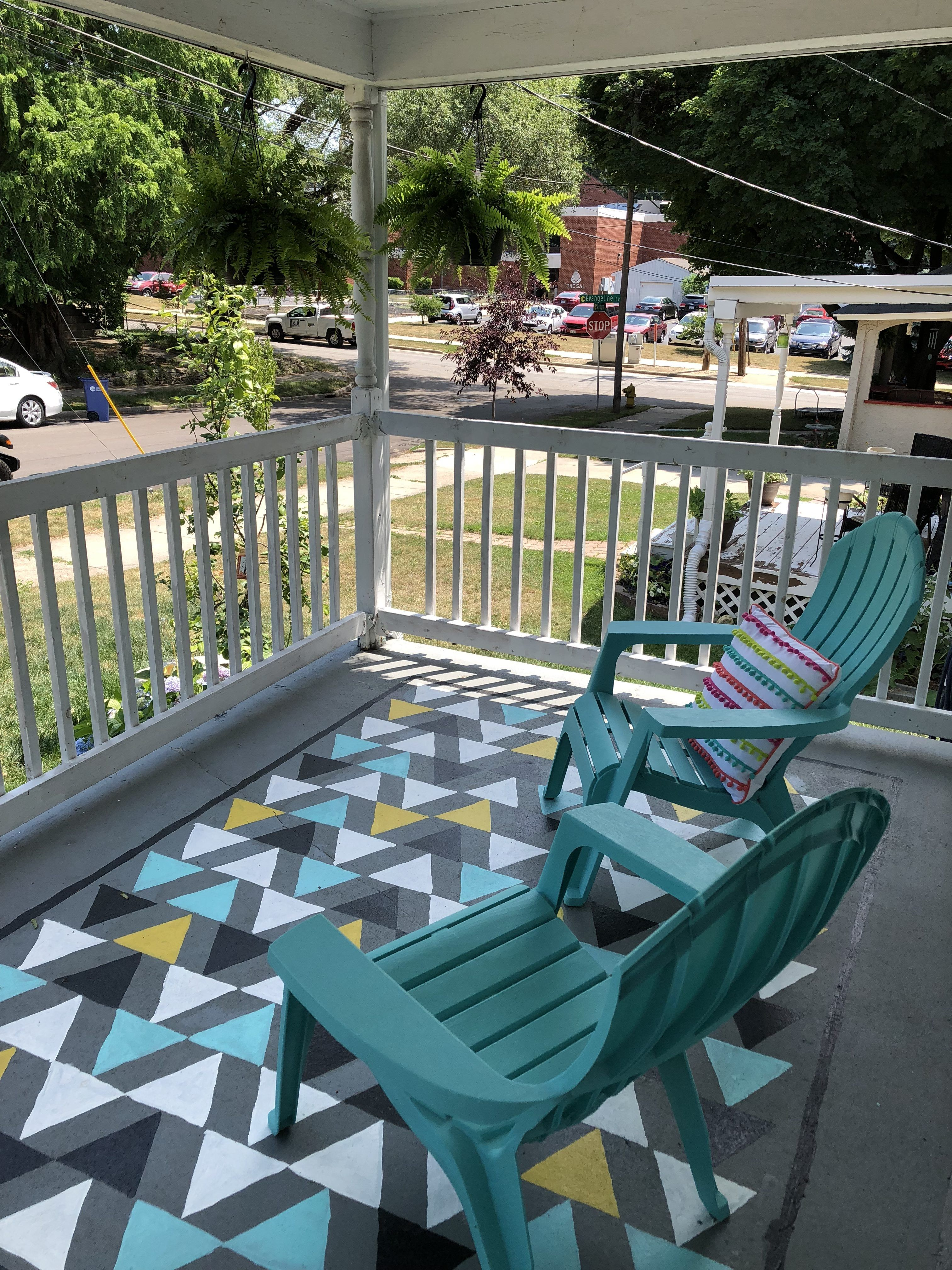 Add A Fun Pop Of Color To Your Porch With This Diy Stenciled Rug Diy Stencils Rug Porch Outdoorspaces Outdoo Outdoor Rugs House With Porch Porch Design
