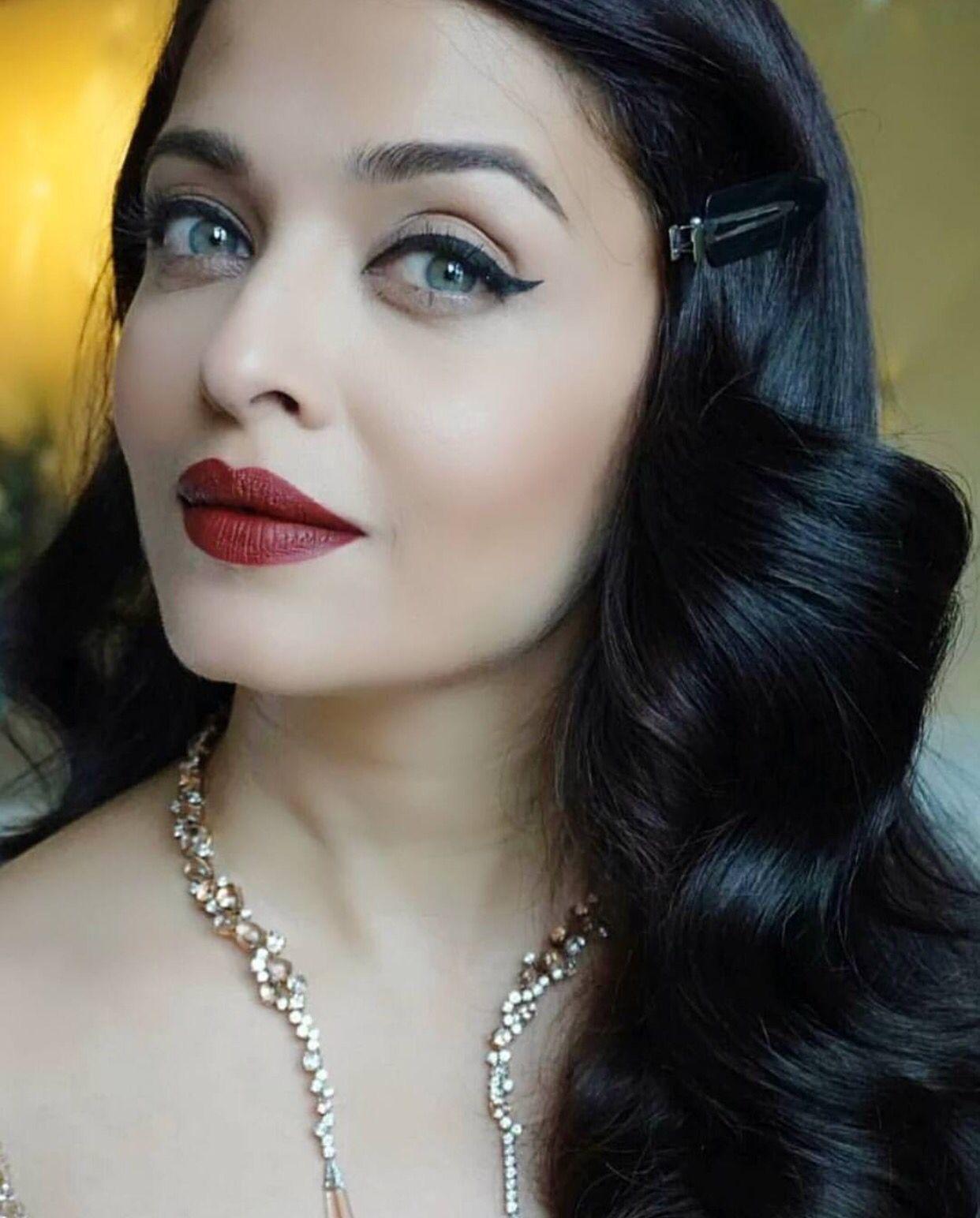 Pin By Aisha On Hair And Makeup  Aishwarya Rai Makeup