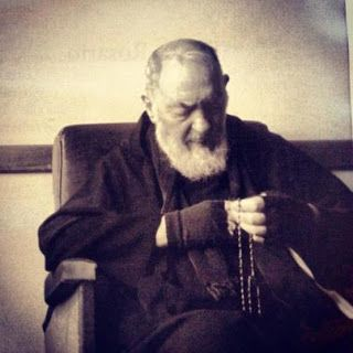Daily Reflections of Saint Padre Pio: On Mary and the Rosary