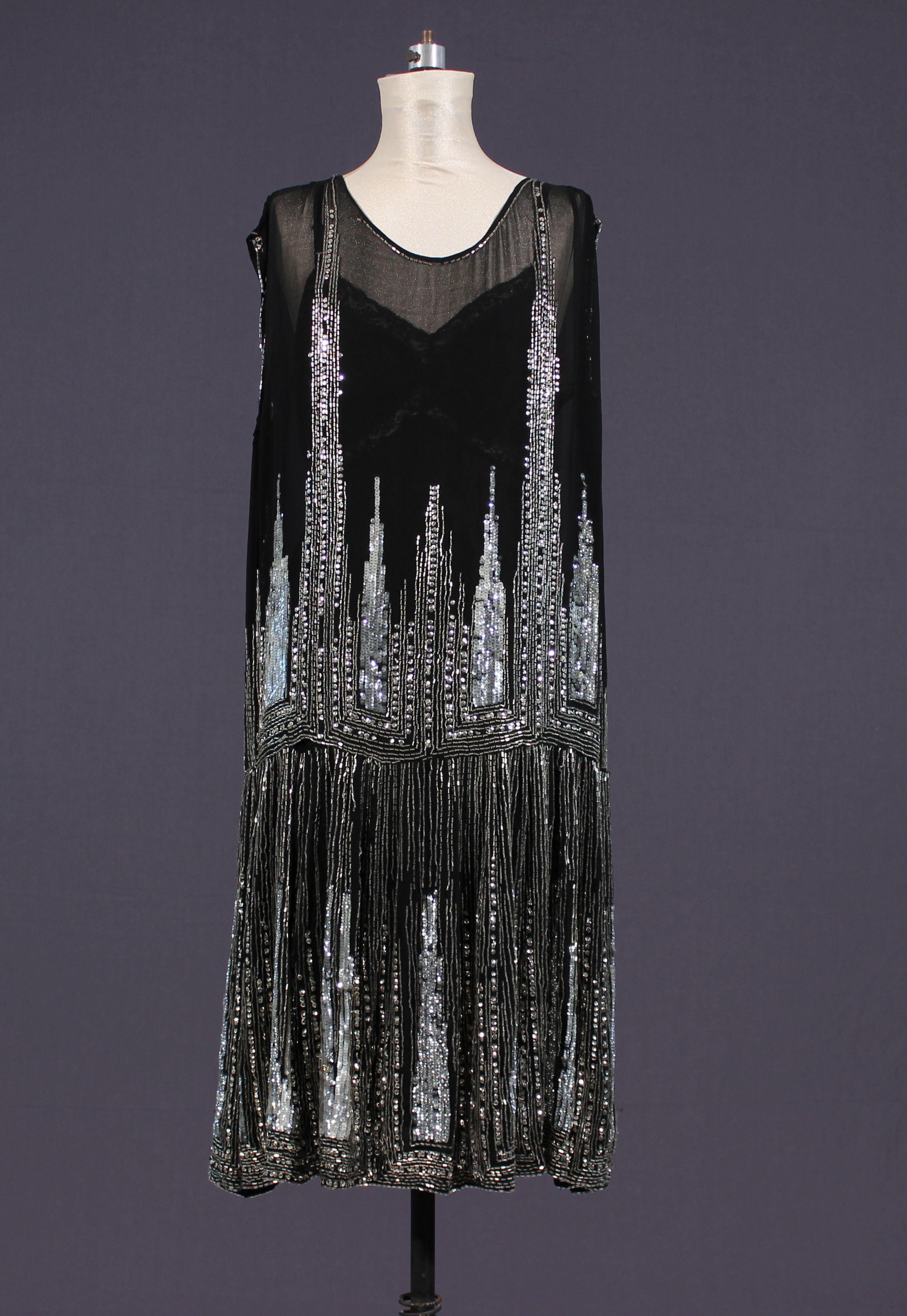 evening gown beaded to resemble the night skyline | Moda Y Estilo _ ...