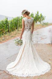 Vintagehochzeit Papiermühle Homburg  Atemberaubendes Hochzeitskleid mit Spitze …