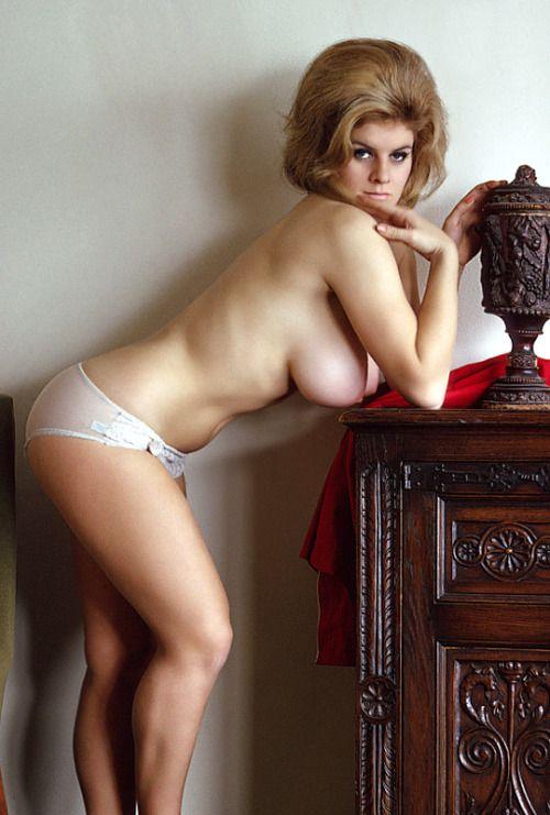 Young brooke hogan nude