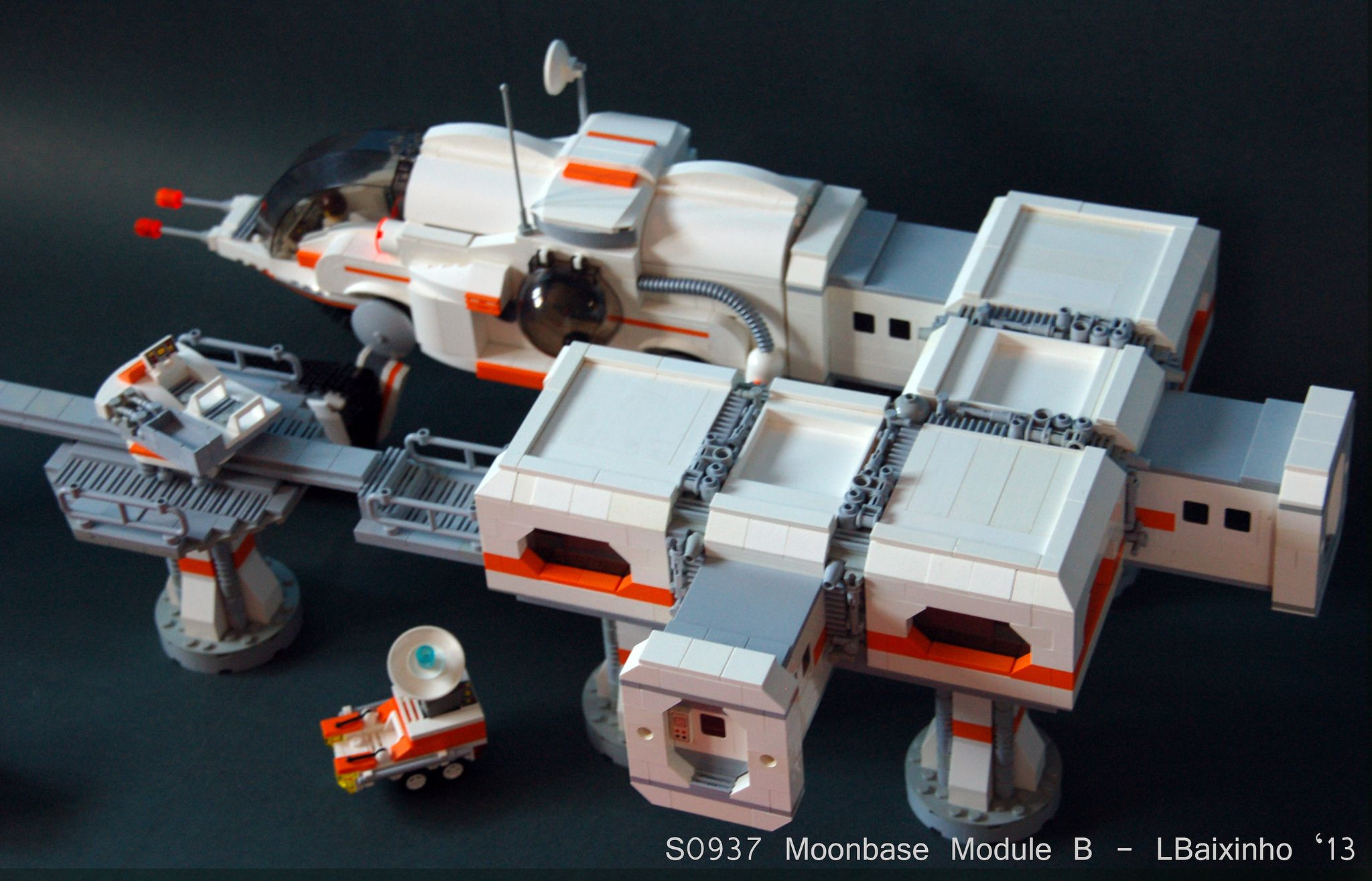 https://flic.kr/p/eT39HL | S0937 Moonbase Module B (4) | Moonbase module that I made for my LUG space display.