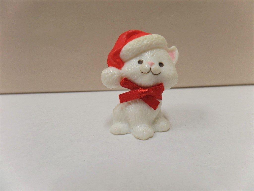 Vintage Hallmark Christmas Merry Miniature 1983 Nos Kitten Etsy In 2020 Hallmark Christmas Hallmark Ornaments Christmas Plush