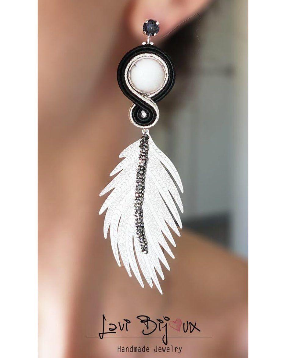 """LaviBijoux en Instagram: """"¡Buenos días! Aquí hay otro par de las nuevas joyas creadas. Estas alas de metal son maravillosas y muy ligeras ✨ DISPONIBLE – … """""""