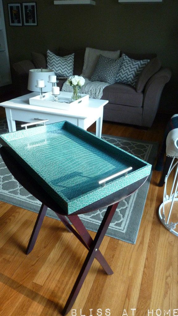 Ok...I just so happen to have those tv trays & 2 AWESOME Z
