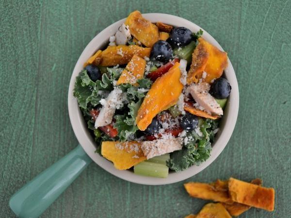 10 Gluten-Free Portable Lunches: Summertime Mango Chicken Salad with Blueberries #glutenfree