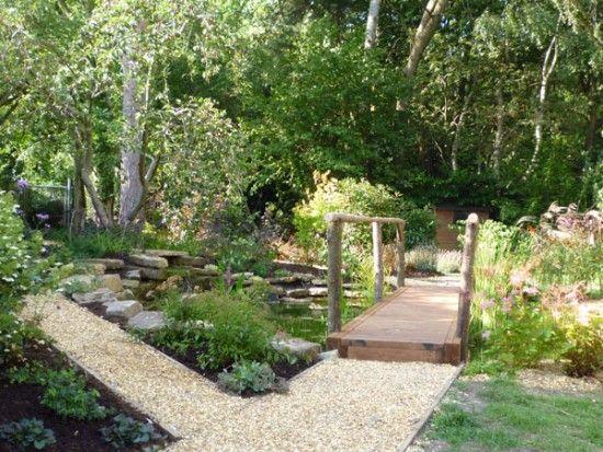 Wildlife garden by Claudia de Yong Designs in Surrey with small ...