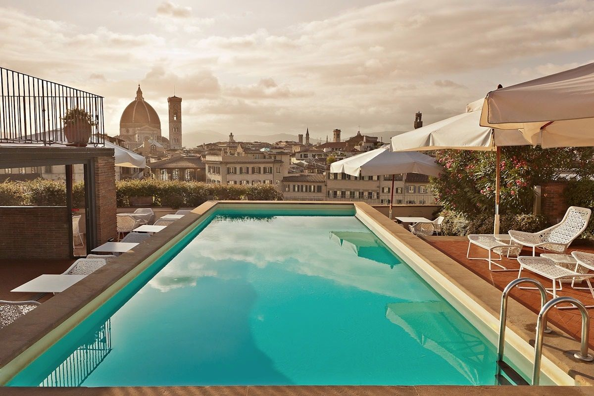 Hotel florence pool florence hotels with pools florence source - 10 Sexy Rooftop Pools To Cool Off In Style Rooftop Restaurantrooftop Loungerooftop Terracerooftop Gardensrooftop Designamazing Hotelsflorence