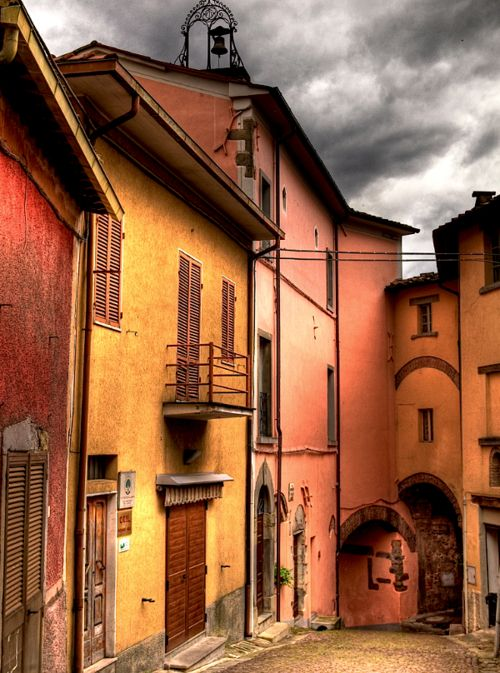 I want more time to stroll the streets of Tuscany.