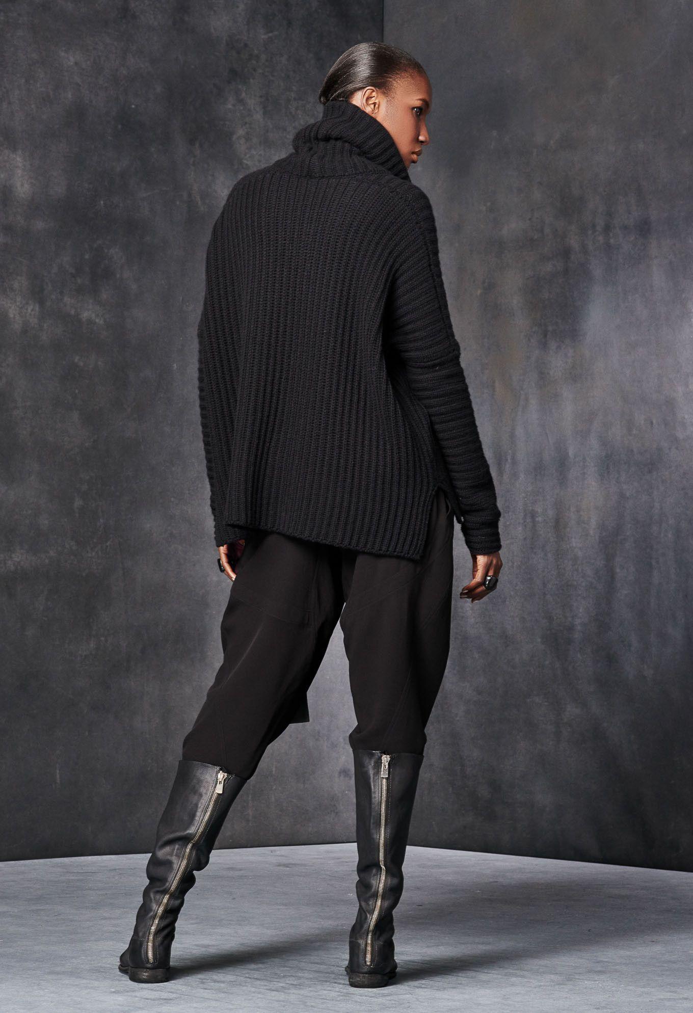 Funnel-Neck Cropped Sweater – Urban Zen