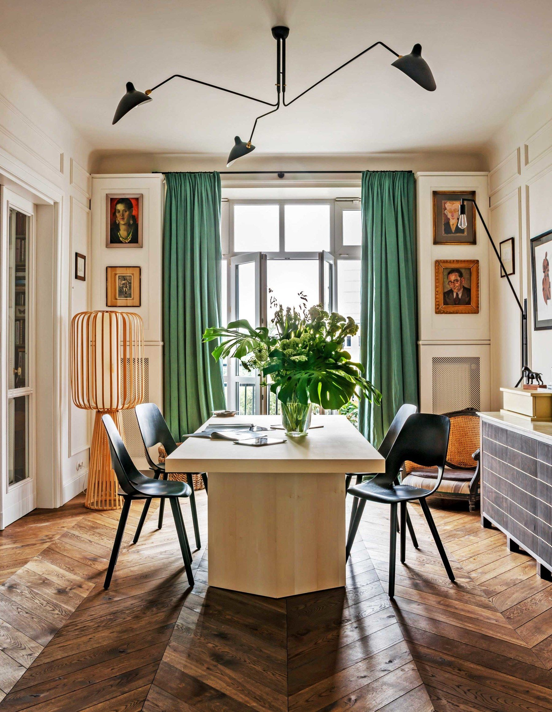 Colombe Design In Warsaw Poland Creates A Prewar Home With Paris Influences Architectural Digest In 2020 Farmhouse Dining Room Room Design Dining Room Inspiration