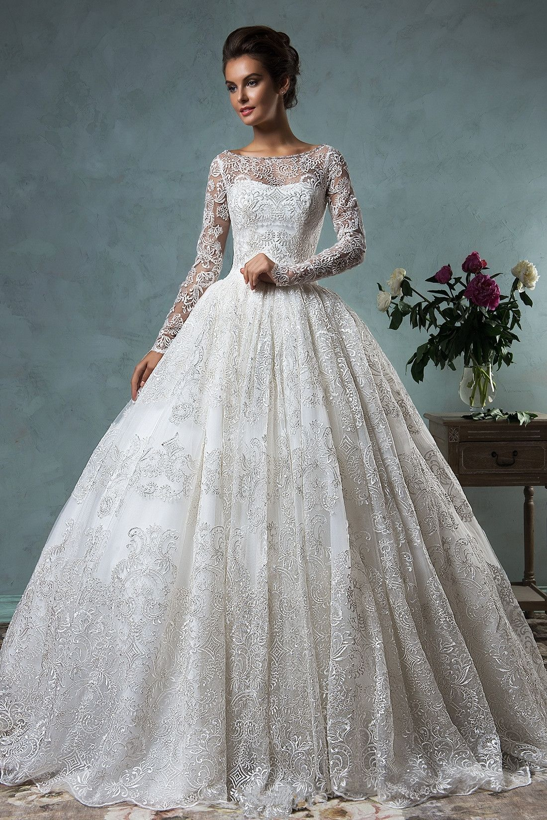 Delicate Lace Liques Ball Gown Wedding Dress 2016 Zipper On Back