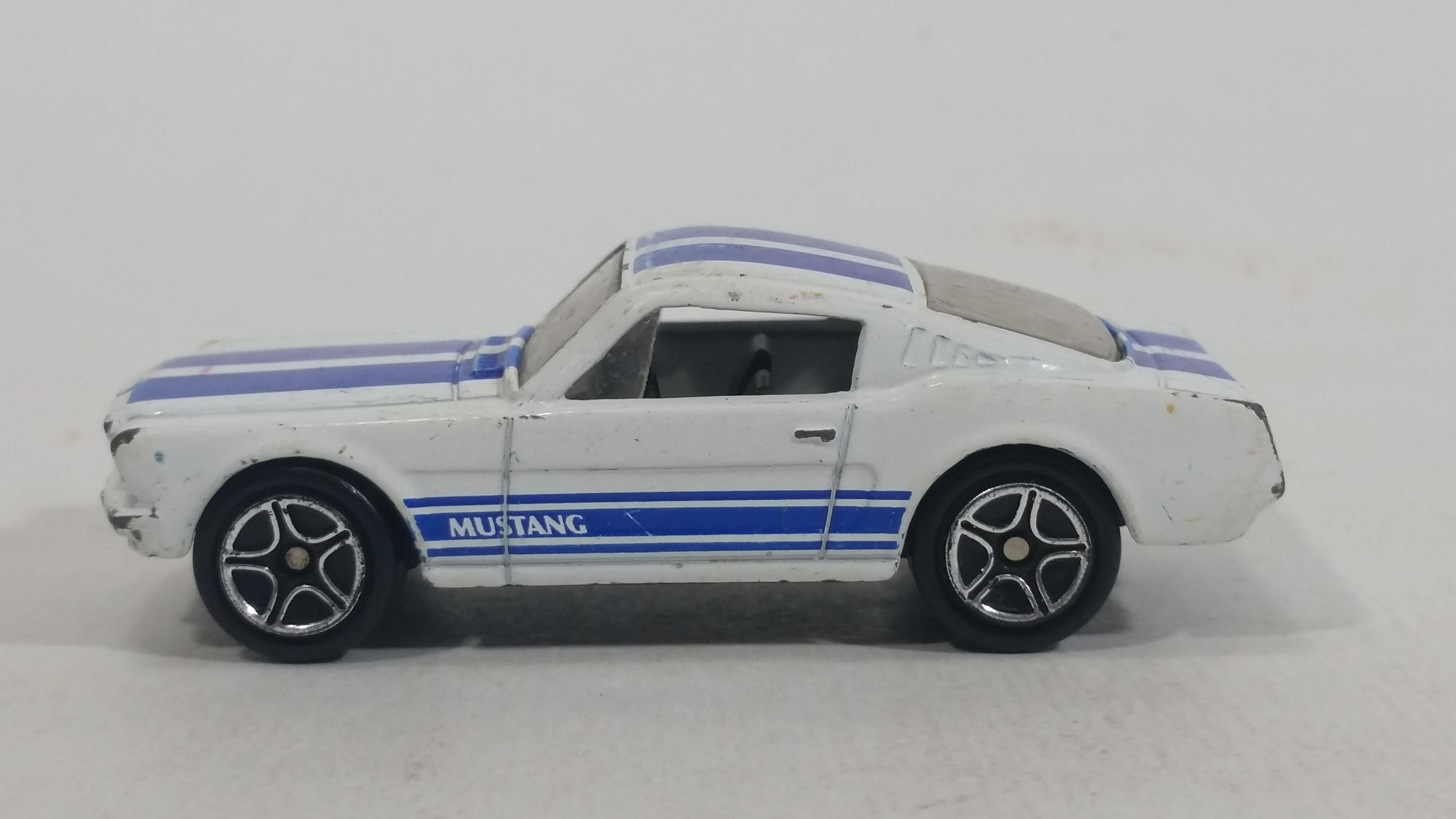1999 Matchbox Classics 65 Mustang Gt White Die Cast Toy Muscle