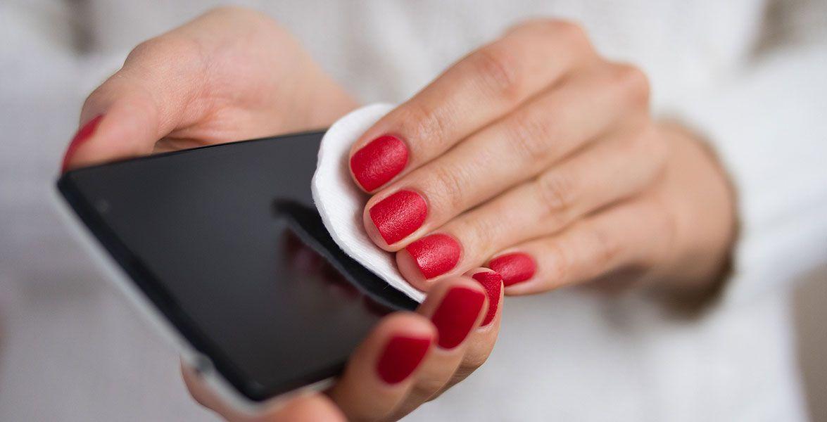Ist Dein Handy Ein Krankmacher Reinigen Wattestabchen Und