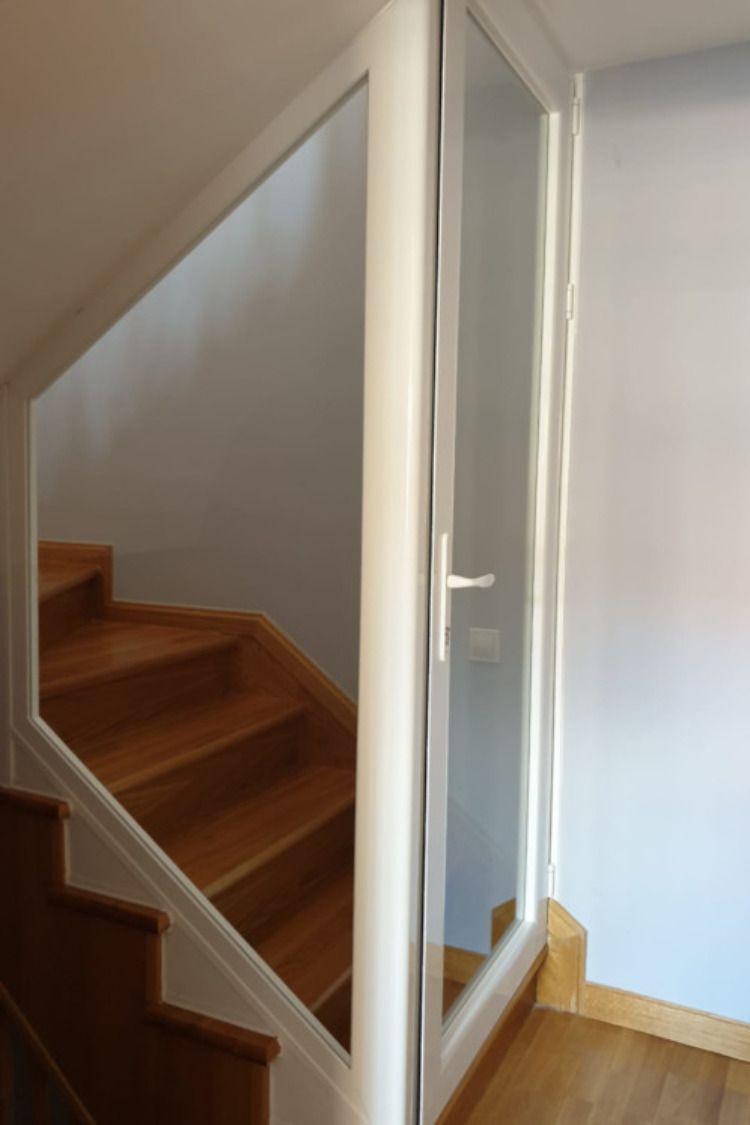 Puertas De Pvc Interiores En Escaleras Barandales Para Escaleras Interiores Decoracion De Escaleras Interiores Paredes De Escalera