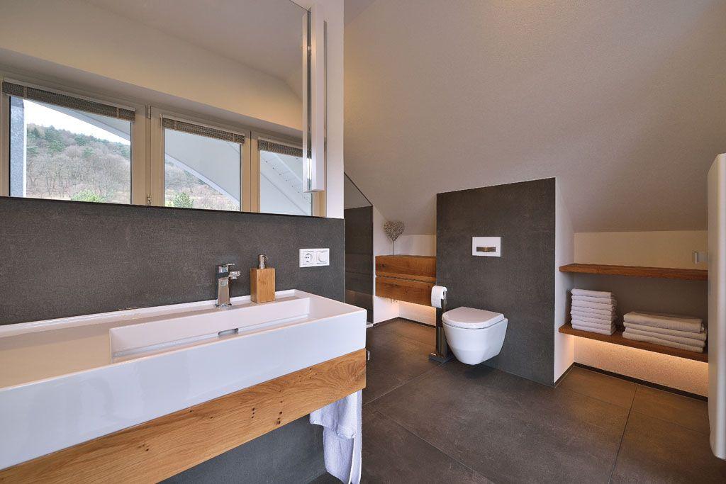 Badezimmer modernisierung aus einer hand gro formatige fliesen in anthrazit auf dem boden und - Bad anthrazit boden ...