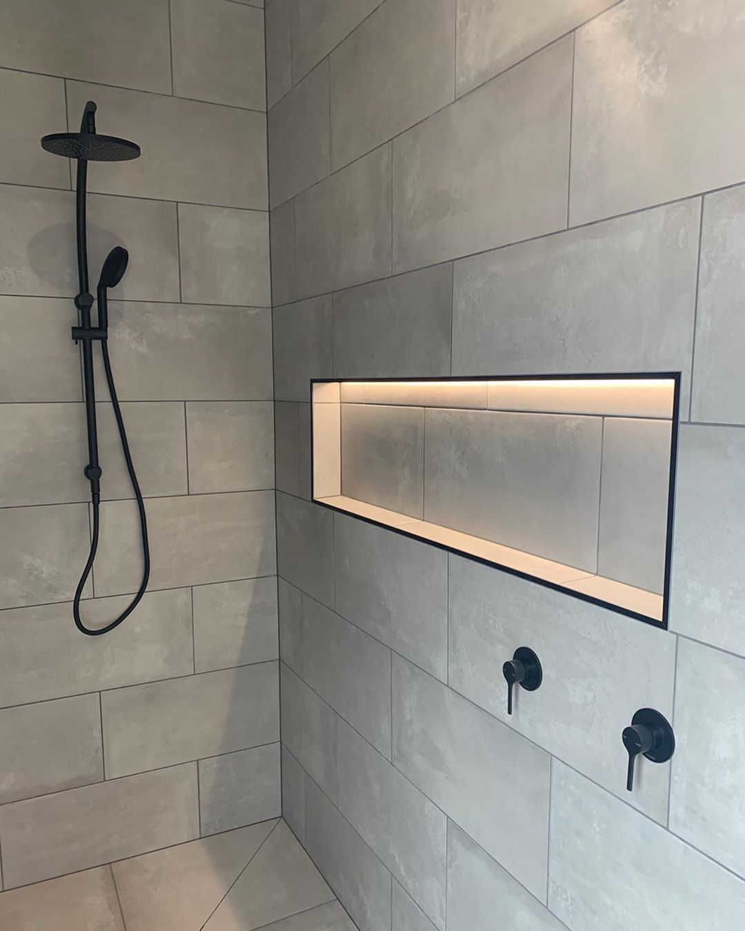 Allchin Builders On Instagram Did You Know Shower Niches Are A Standard Inclusion In All Of Our Homes Shower Niche Bathroom Design Decor Led Strip Lighting