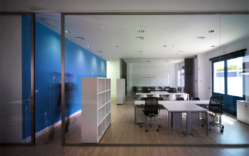 Decoraci n oficinas dise o de interiores en sevilla for Oficinas cajasol sevilla